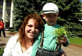 У Житомирі ПриватБанк висадив 5 тисяч квітів. Фото