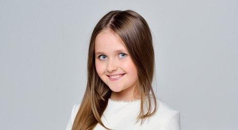 9-річна Настя Войтко не боїться виступати, бо її підтримує родина