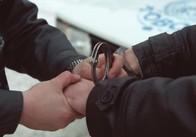 """На прохання дядька-зека 16-річний юнак на Житомирщині виманив у пенсіонерки більше 20 тисяч, щоб """"допомогти"""" сину в Росії"""