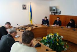 Житомирська міліція продемонструвала вилучену із незаконного обігу зброю та боєприпаси