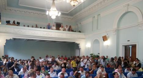 В міськраді Житомира аншлаг: почалась сесія. Фото