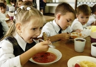 Хто, за скільки та чим годуватиме житомирських школярів за бюджетні кошти