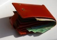 В Житомире нечестный мужчина обманул 17-летнюю студентку и завладел ее деньгами