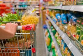 На продовольчому ринку Житомирщини у березні ціни на продукти харчування знизились на 0,1%