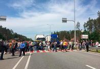 На Житомирщині близько 200 осіб перекривали трасу Київ-Чоп