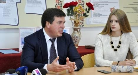 Геннадій Зубко розповідав дітям про децентралізацію на Житомирщині