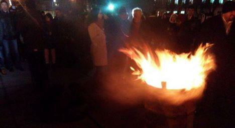 """""""Бочка горить, віче почалось"""": У Житомирі третя річниця Революції Гідності"""
