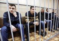 Екс-беркутівців таки доставили до суду для відеозв'язку з Януковичем