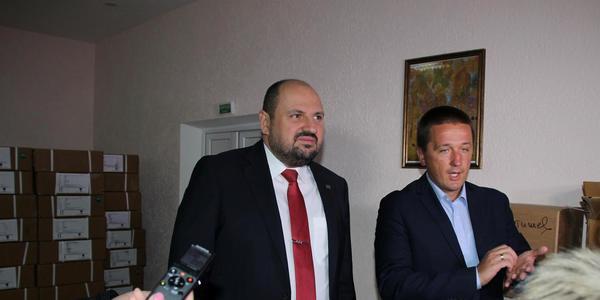 БФ «Фармварта» та нардеп Розенблат передали лікарням Житомирщини медпрепаратів на 6 мільйонів 400 тисяч гривень. ФОТО