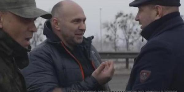 Житомирські активісти затримали дві фури з піском без документів