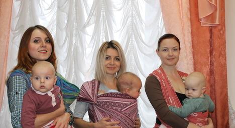 Годувати немовлят груддю в публічних місцях не соромно – житомирські мами