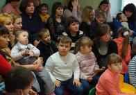 Діти Житомирщини дарують подарунки дітям Донбасу і мріють про звільнення України