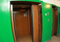 За півмільйона зроблять капітальний ремонт ліфтів ще у 7 будинках Житомира. Оновлено