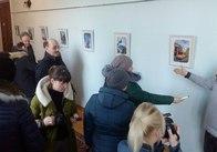 Дмитро Раков у міській раді відкрив виставку картин про Шодуарівський парк та інші туристичні принади міста