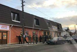 Луценко розказав про бурштинову облаву на Олевщині. Фото