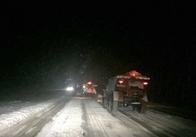 Автошляхи Житомирщини чистять 125 чоловік Оновлено