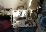 У Житомирі в гаражі нелегально обробляли напівдорогоцінне каміння