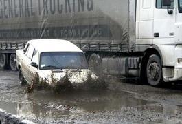 Поліція збирається позапланово обстежити усі дороги в Україні