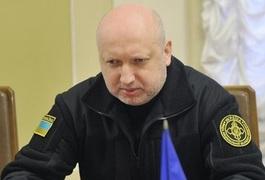 З 13:00 всі автомобільні і залізничні шляхи в окуповані частини Донбасу перекриті, - Турчинов