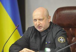 Росія може вторгнутись в Україну за дві-три години, - Турчинов