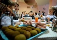 Підприємець з Овруча отримав 16 мільйонів за обіди для дітей-чорнобильців з півночі Житомирщини