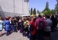 Екс-директор бердичівського медколеджу Клименюк привів на страйк студентів до обласного госпіталю ветеранів. Фото