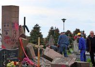 Україна за власний кошт відновила усі зруйновані пам'ятники полякам. У Польщі не відновлено жодного українського. Карта