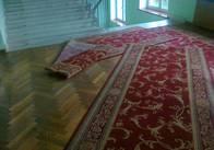 """Повернення в """"совок"""": управління освіти на Житомирщині витратило 37 тисяч на 14-метровову килимову доріжку"""