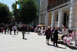 Житомир починає святкувати День Вишиванки