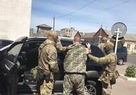 СБУ за хабарі затримала заступника начальника виправної колонії Житомирщини