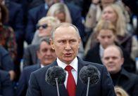 Путін позапланово відвідає Францію