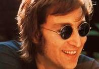 В Англії продадуть сонцезахисні окуляри Ленона