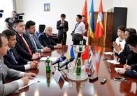 Посла Китаю Ду Вея на зустрічі з Гундичем зацікавив інвестпотенціал Житомирщини