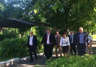 Ігор Гундич з новою головою Хорошівської РДА їздить по району. Фото