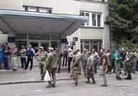Біля Держгеокадастру у Житомирі знову неспокійно. Оновлено