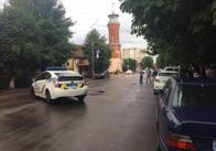Активісту житомирського Автомайдану біля суду засунули у автівку гранату. Фото