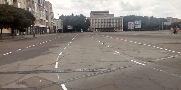 Новий рух по колу: На Соборному Майдані малюють нову схему розмітки