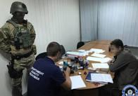 Житомирська поліція впіймала рейдерів, які вже захопили декілька підприємств в Україні. Фото