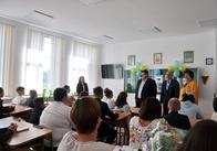 Житомирський губернатор подивився, як зробили ремонт школи, на який витратили майже 9 мільйонів