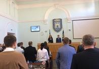 Сесія міської ради розпочалась із виступу нардепа. Також покажуть фільм
