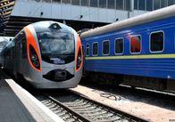 «Укрзалізниця» планує розділити потяги на три сегменти