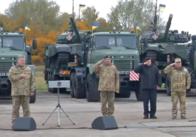 На Покрову Порошенко під Житомиром пообіцяв воїнам премії та передав військову техніку