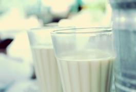 Відмова від молочних продуктів підвищує ризик розвитку остеопорозу - вчені