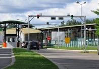 Білорус не зміг в'їхати у Житомирську область через розмальований дитиною паспорт. Фото