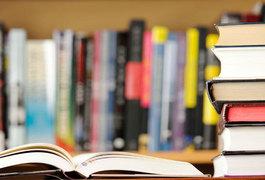 У Житомирі збирають книги у бібліотеку для безхатченків
