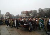 На майдані у Житомирі прощаються із солдатом 95 бригади