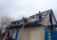 У Житомирській області через замикання мало не згоріла худоба та гараж. Фото
