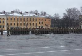 У Житомирі військові почали відзначати 26-у річницю ЗСУ. Відкрили експозицію про АТО. Фото Оновлено