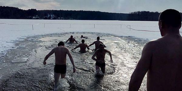 Житомиряни купаються