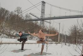 Йога на снігу!